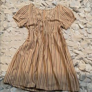 Women short sleeve dress. Excellent condition.